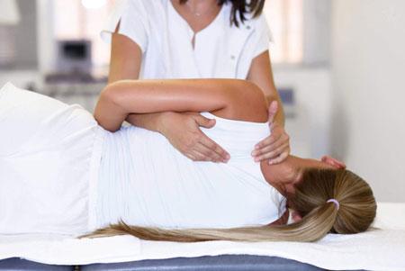 فواید ماساژ درمانی برای کاهش درد دیسک کمر
