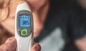 چگونه میتوان تب کودک را کاهش دهیم