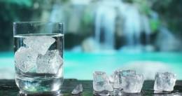 شناخت نشانههای کمبود آب در بدن و راههای جبران آن